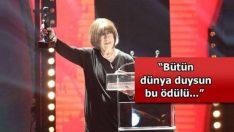 Antalya Film Festivali'nde 'Onur' Gecesinde Ayşen Gruda Ödülünü Aylan Bebek'e Adadı