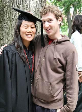 Zuckerberg, eşiyle 2003 yılında her ikisi de Harvard''ta öğrenciyken tanıştı.