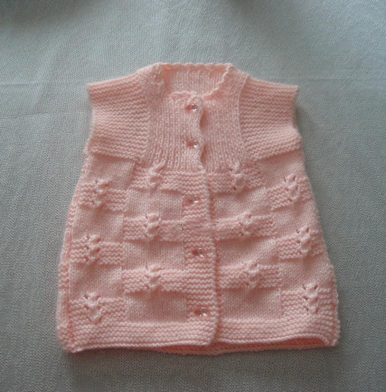 Tek Parça Kız Bebek Yeleği (1)
