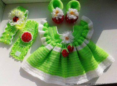 Örgü Bebek Elbiseleri