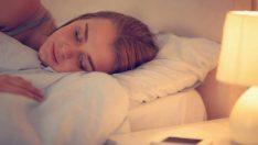 Uyanmanın gittikçe zorlaştığı son günlerde kaliteli uyku için 7 tavsiye
