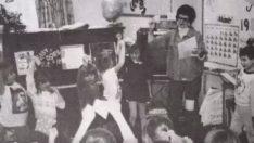 Öğretmen, 30 Yıl Önce Öğrencileriyle Çektirdiği Fotoğrafta Bakın NEYİ Farketti