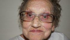 80 Yaşındaki Babaanne Makyajla Gençleşerek Sosyal Medyada Fenomen Oldu