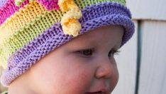 Renkli Örgü Şapkalar