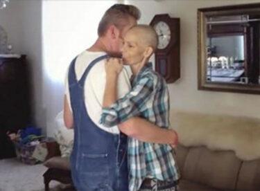 Kanser Hastası Kadın Eşiyle Son Dansında Adamına Kulağına Bakın Ne Fısıldadı.