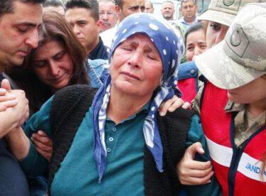 Şehit olan Malatyalı Yarbay Songül Yakut'un cenazesi, annesinin oturduğu eve getirildi. Gözü yaşlı annenin sözleri yürek dağladı: 'Kızım evine hoşgeldin…'