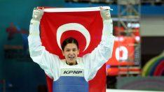 Nur Tatar, Dünya Tekvando Şampiyonası'nda altın madalya kazandı