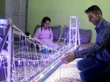 İstanbul'u görmek isteyen kızına Boğaz Köprüsü'nün maketini yaptı