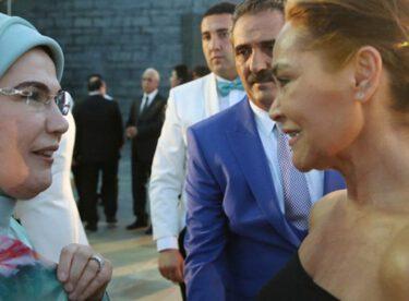 Hülya Avşar'dan dekolteli iftar yorumu