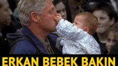 Clinton'ın burnunu sıkan Erkan bebek büyüdü şimdi 18 yaşında!