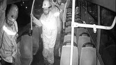 Otobüste 'kirlenmesin' diye koltuğa oturmayan madenciler tatile gönderildi