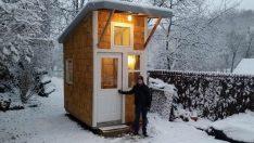 13 Yaşındaki Çocuk 1500 Dolara Kendi Evini İnşa Etti – Herkes Yetenekli Miniği Konuşuyor